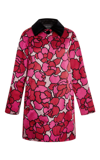 Pink balmacaan coat with velvet collar detail by MARC JACOBS Preorder Now on Moda Operandi