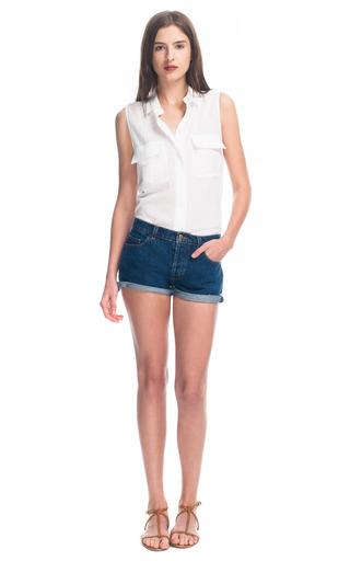 Medium equipment white gauze sleeveless signature blouse