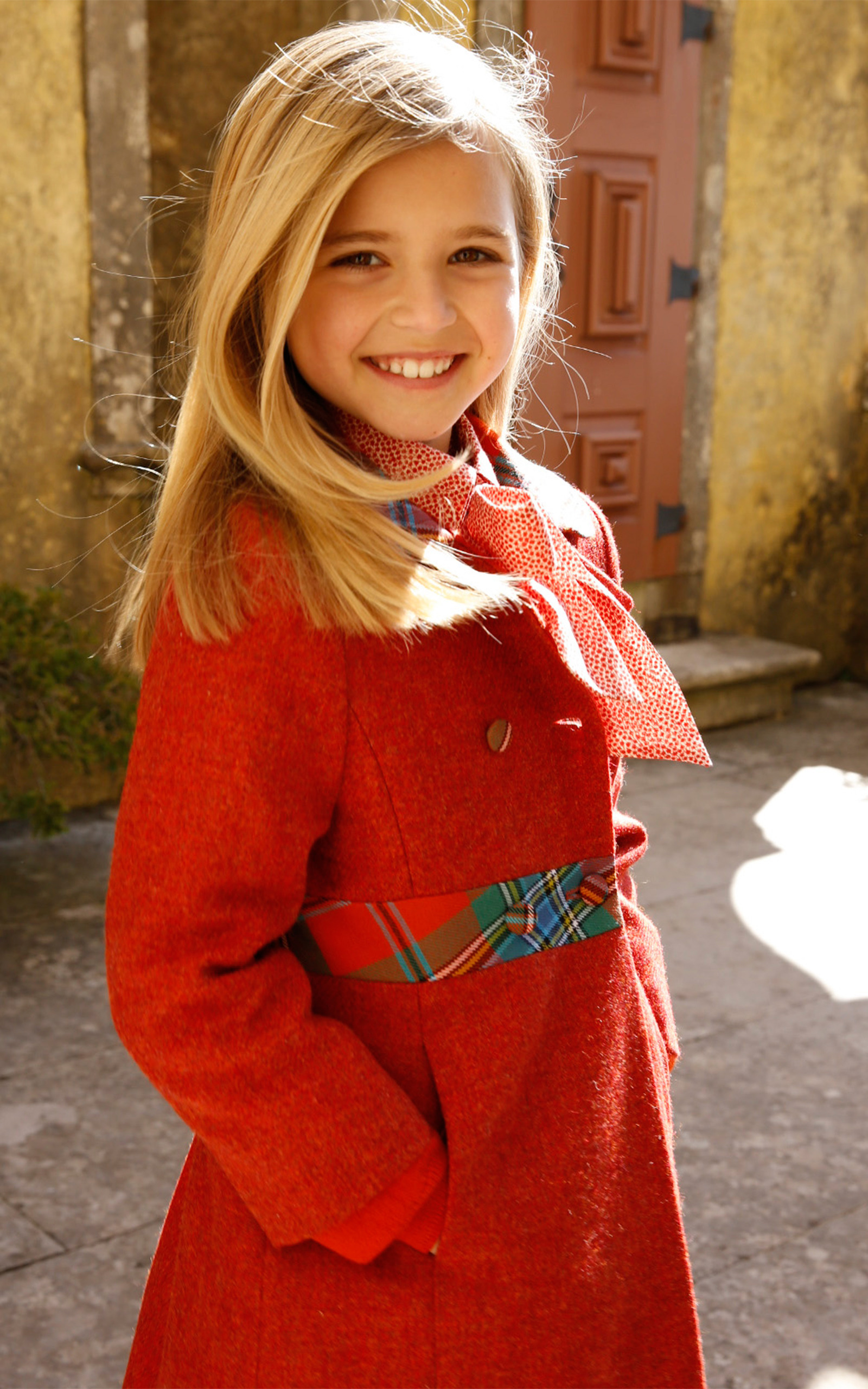 Red Girls Fitted Coat With Hat By Oscar De La Renta  Moda -7383