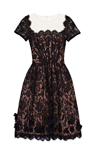 Medium oscar de la renta black scalloped lace dress