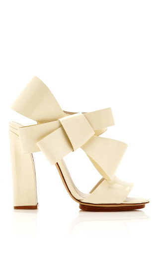 Medium delpozo ivory patent leather bow detail sandals 2