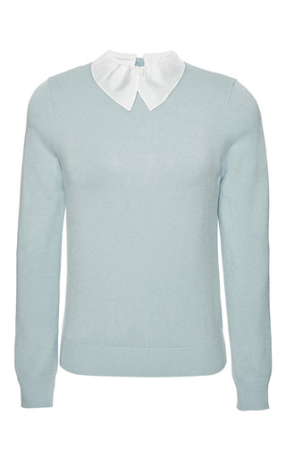 Medium carven blue technical knit sweater with white collar