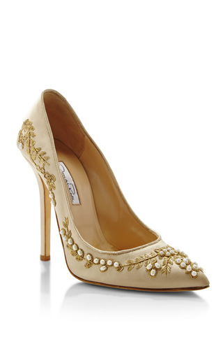 Oscar De La Renta Grace Champagne Pump by OSCAR DE LA RENTA for Preorder on Moda Operandi