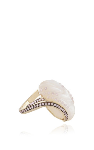Medium noor fares multi fly me to the moon glyptique carved wing ring