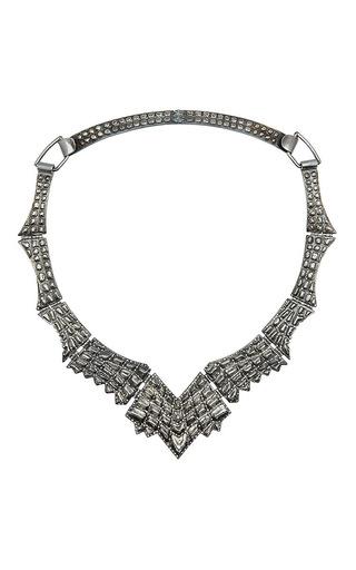Medium venyx silver lady caiman black necklace