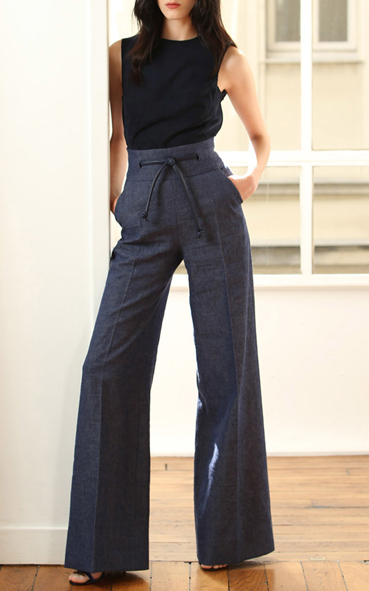 High waisted and loose fitting, these pants are comfortably classy. Perfect for work or play!