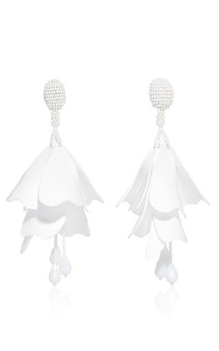 Medium oscar de la renta white impatiens flower drop earrings