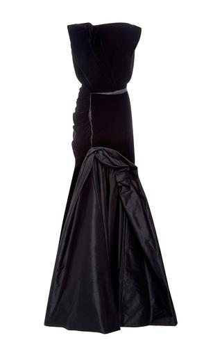 Medium oscar de la renta black velvet bateau neck gown