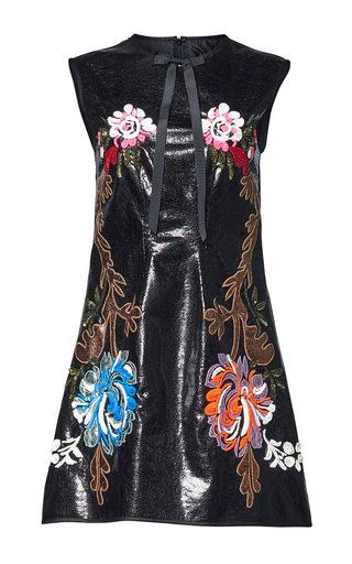 Medium romance was born black simple gesture applique dress