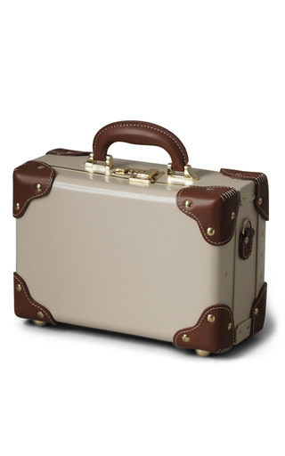 Medium steamline luggage nude the diplomat vanity