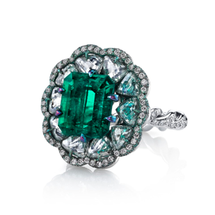 Medium arunashi green emerald and diamond tabiz ring