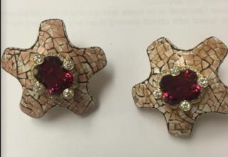 Medium nicholas varney red coquille d oef torumaline star earclip