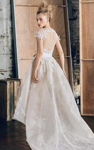 Medium monique lhuillier white m o exclusive hawthorn cascading gown
