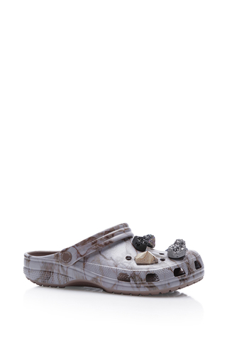 Medium christopher kane light grey multi stone crocs