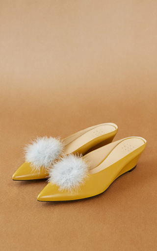 Medium trademark yellow castainge kidskin slide with marabou