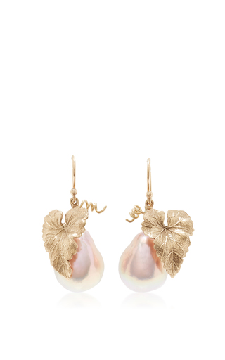 Medium annette ferdinandsen pink hanging grape leaf with baroque pink pearl