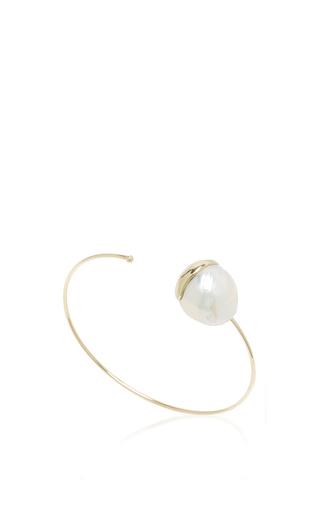 Medium mizuki white fluid pearl cuff