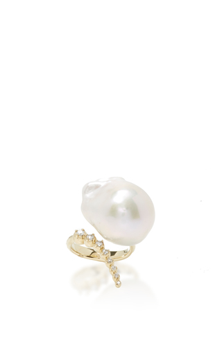 Medium mizuki white graduated curved diamonds and pearl ring