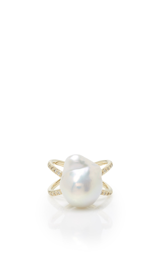 Medium mizuki white pearl and diamond crossover ring