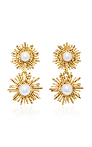 Medium oscar de la renta white gold tone faux pearl earrings
