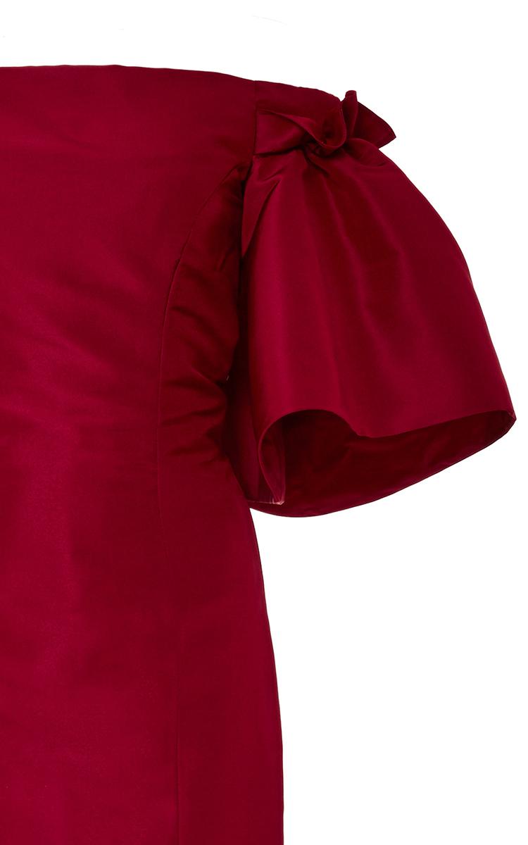 Off-The-Shoulder Silk Gown by Oscar de la Renta | Moda Operandi