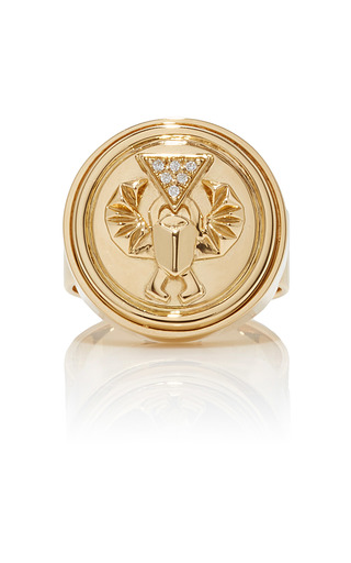 Medium foundrae gold protection signet ring