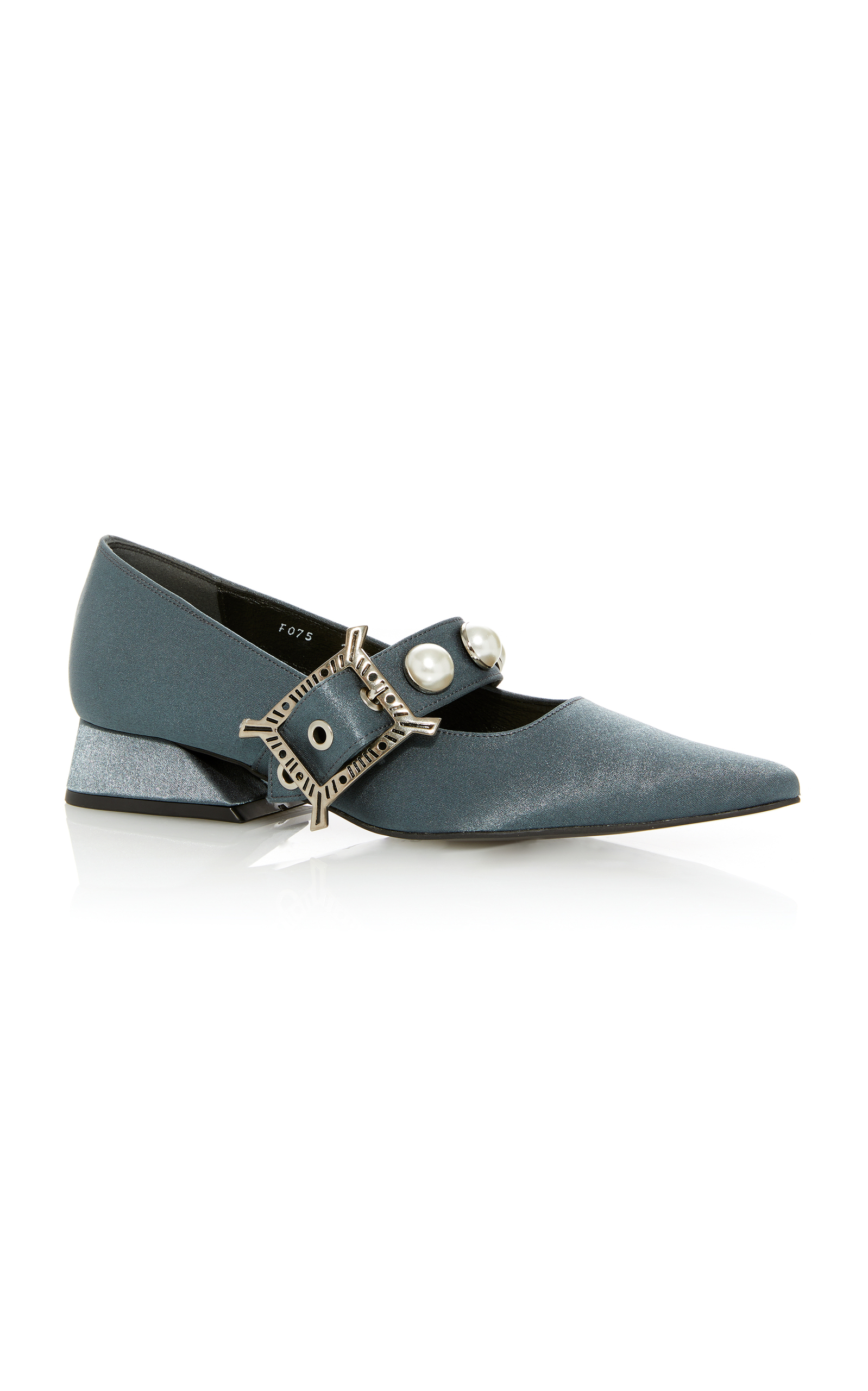 MO Exclusive Slingback Leather PumpsYuul Yie SJInd
