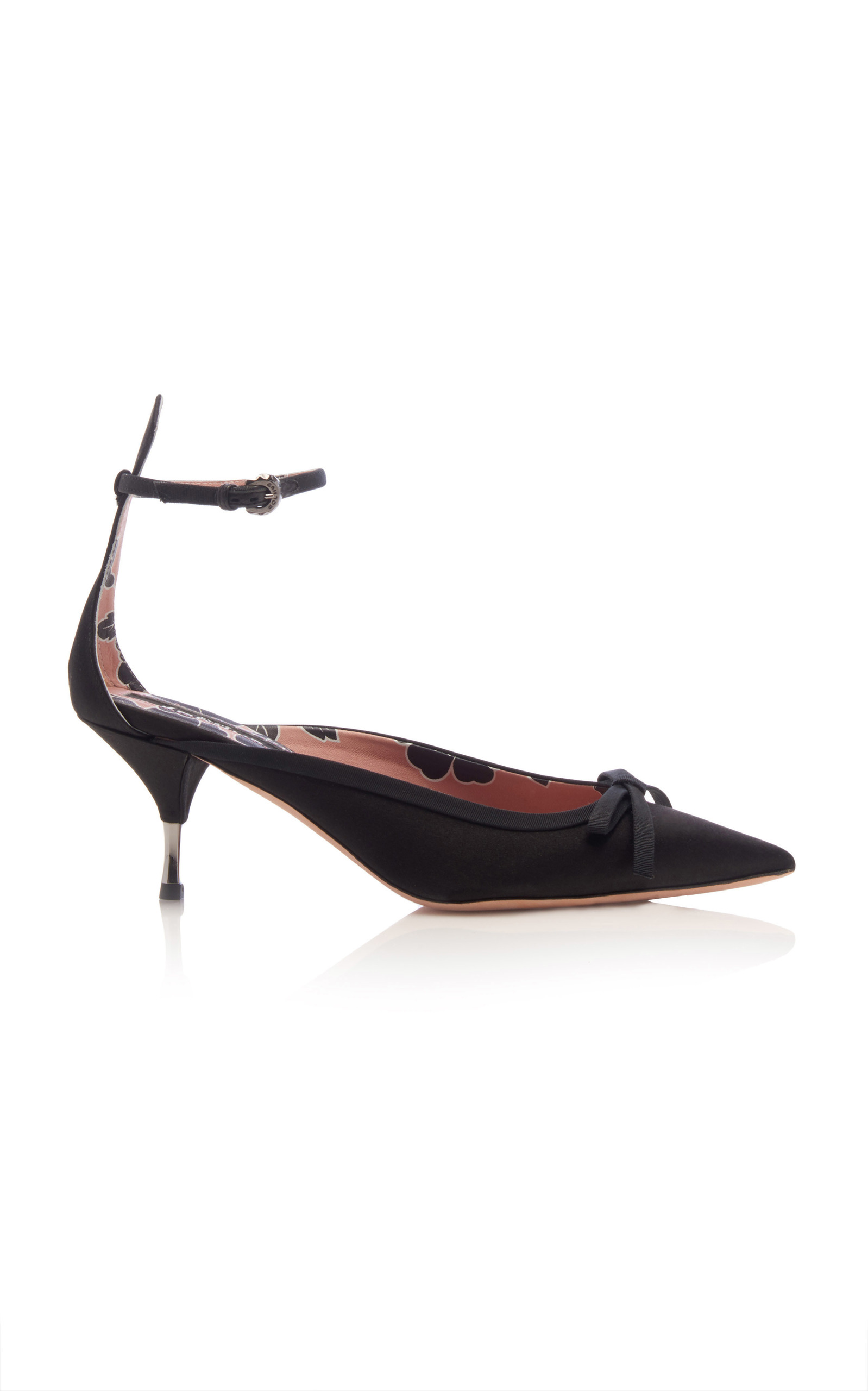 pointed bow pumps