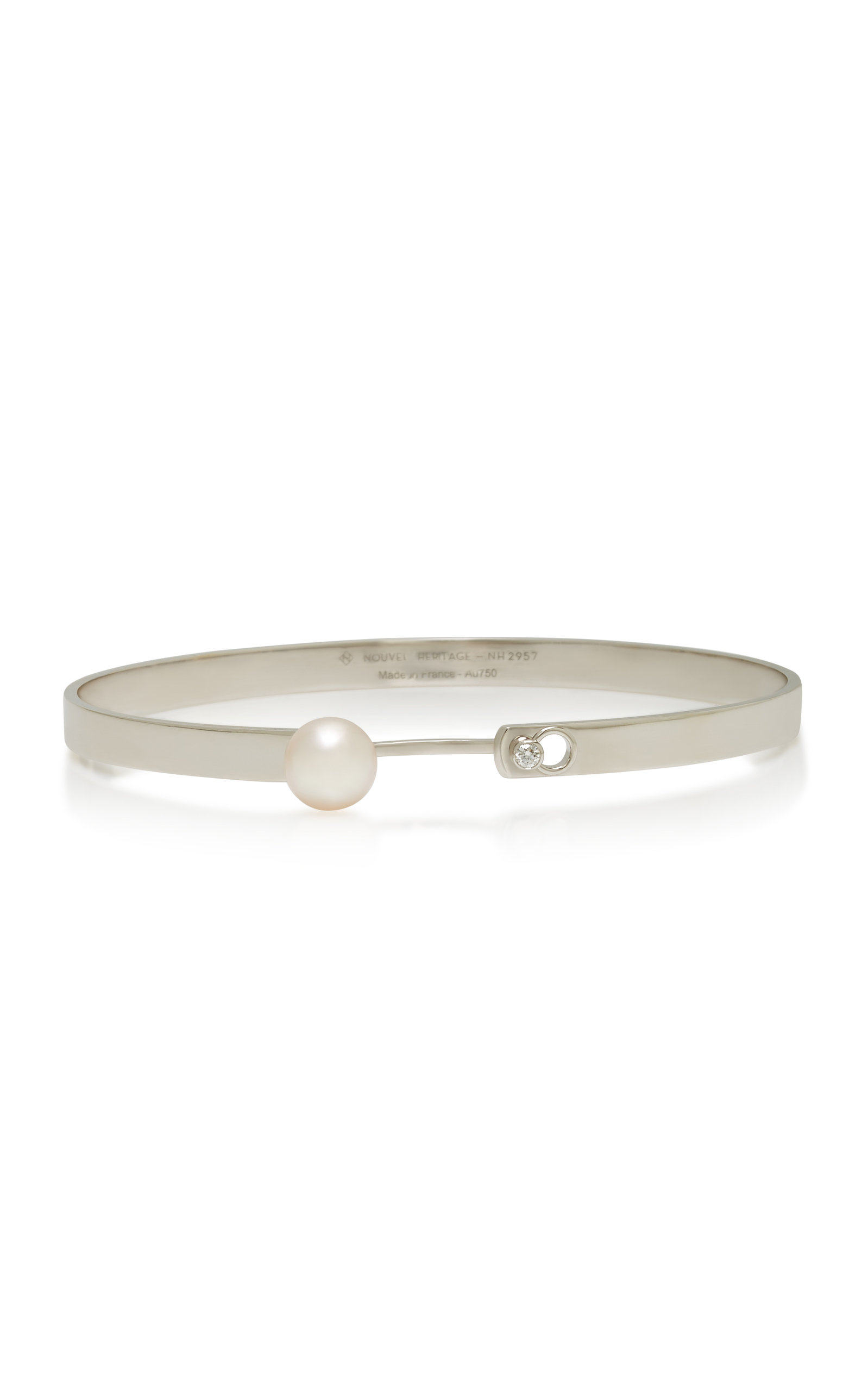 NOUVEL HERITAGE LUNCH WITH MOM 18K WHITE GOLD DIAMOND AND PEARL BANGLE