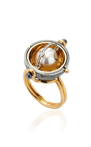 ELIE TOP   Elie Top Akoya Pearl Sphere Ring   Goxip
