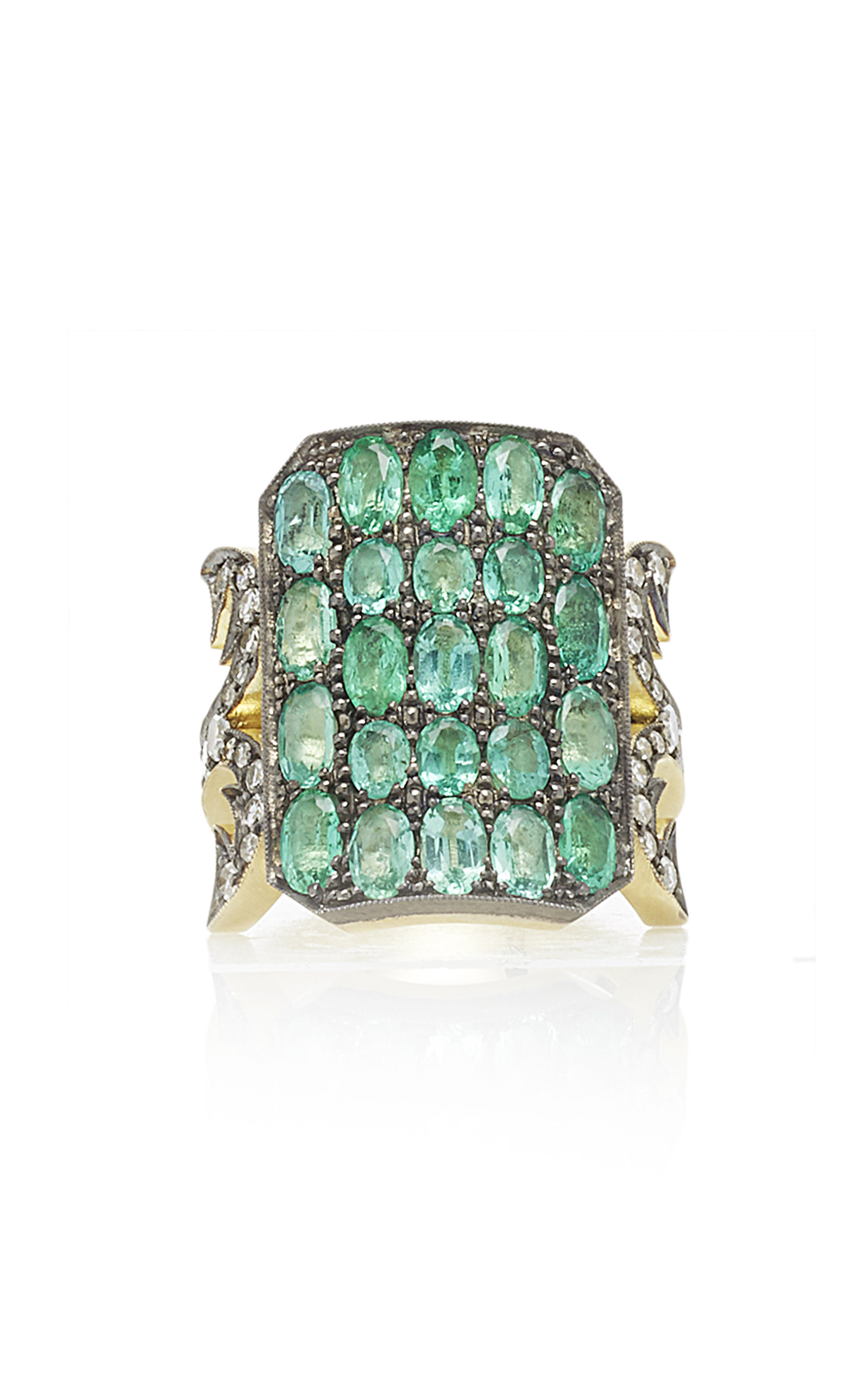 EMERALD TEN TABLE RING