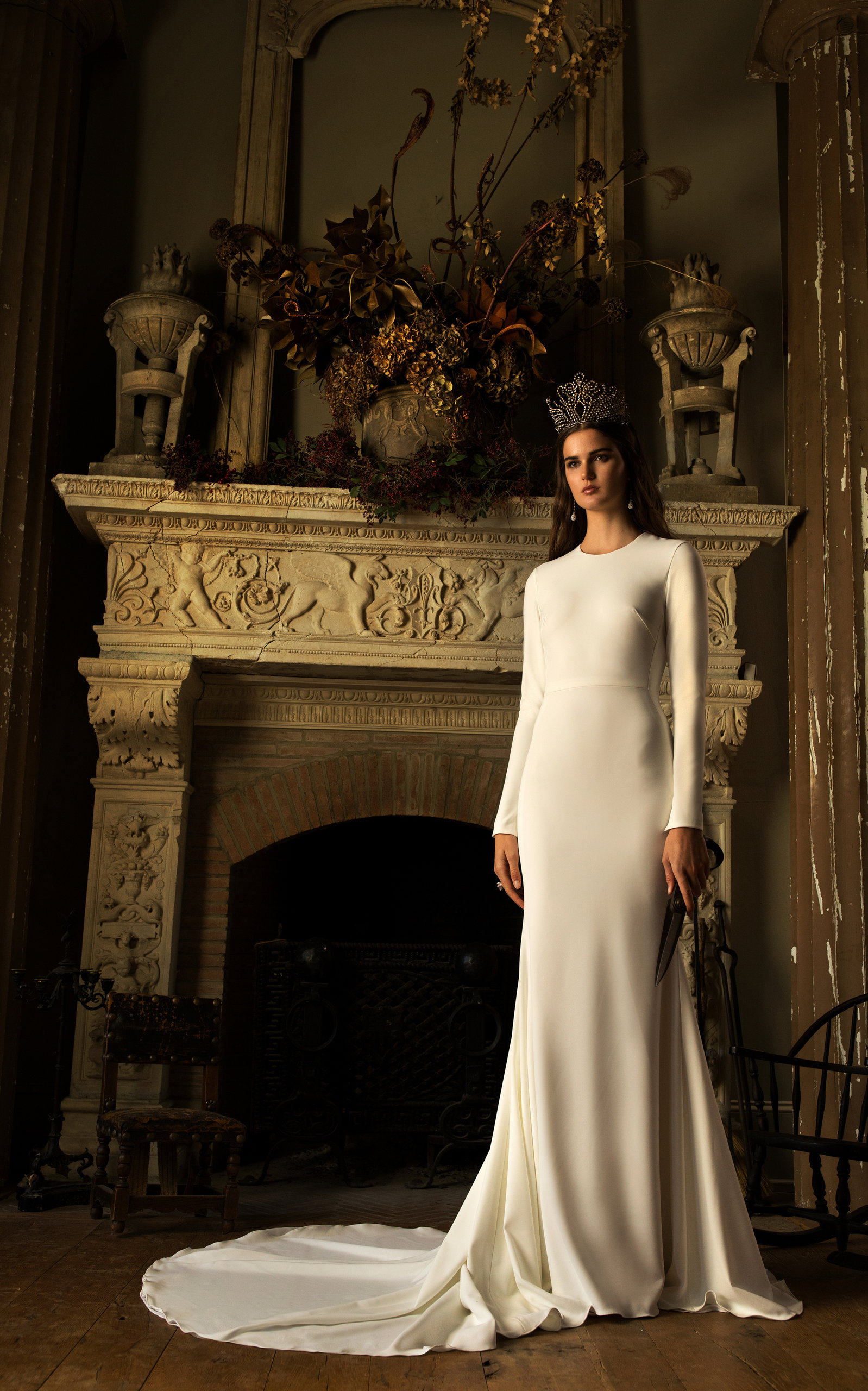 ISABELLE ARMSTRONG Louise Crepe Gown With Long Sleeves And Open Back in White