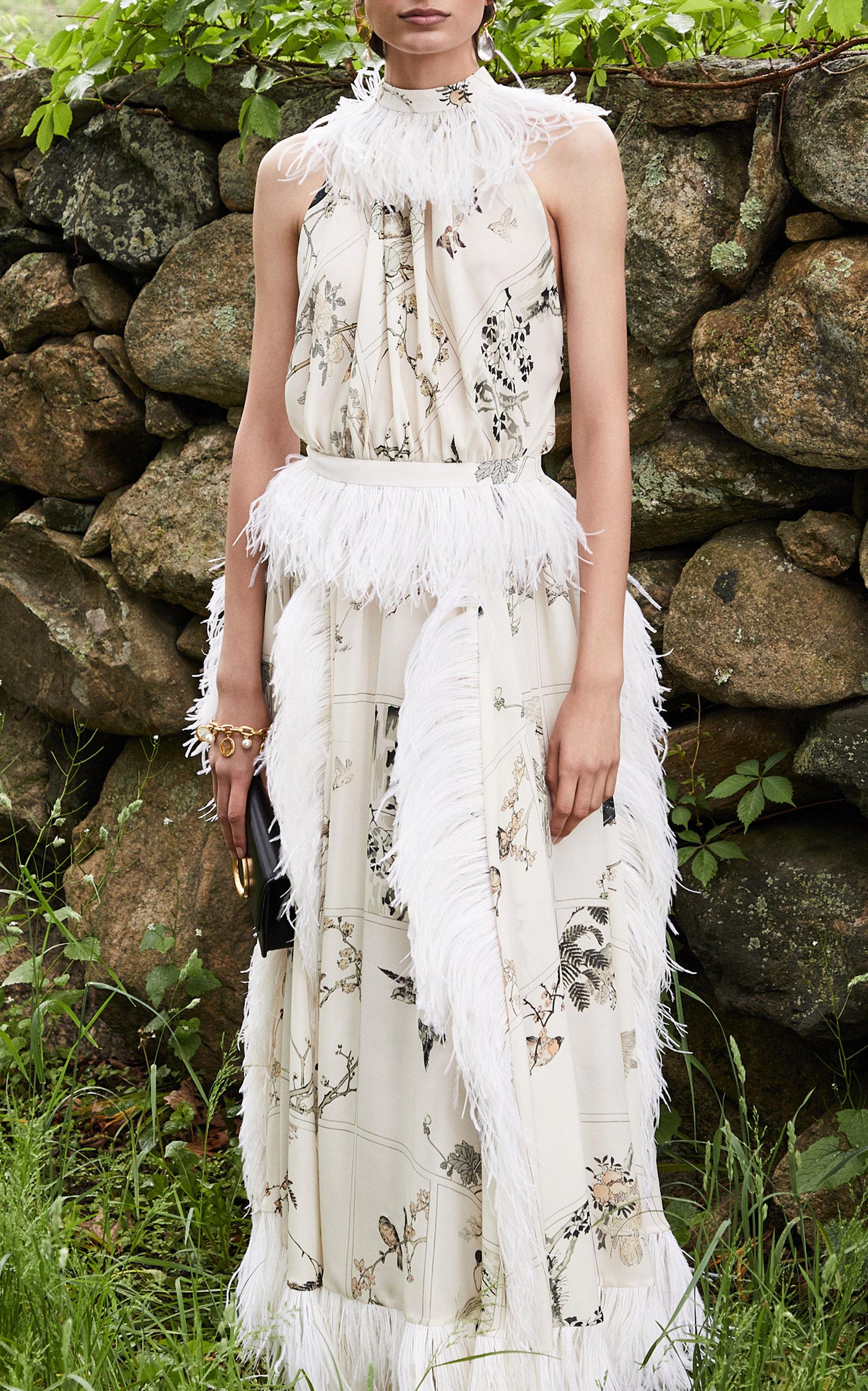 01dd3db3331c Feather-Embellished Chiffon Maxi Dress by Oscar de la Renta   Moda ...