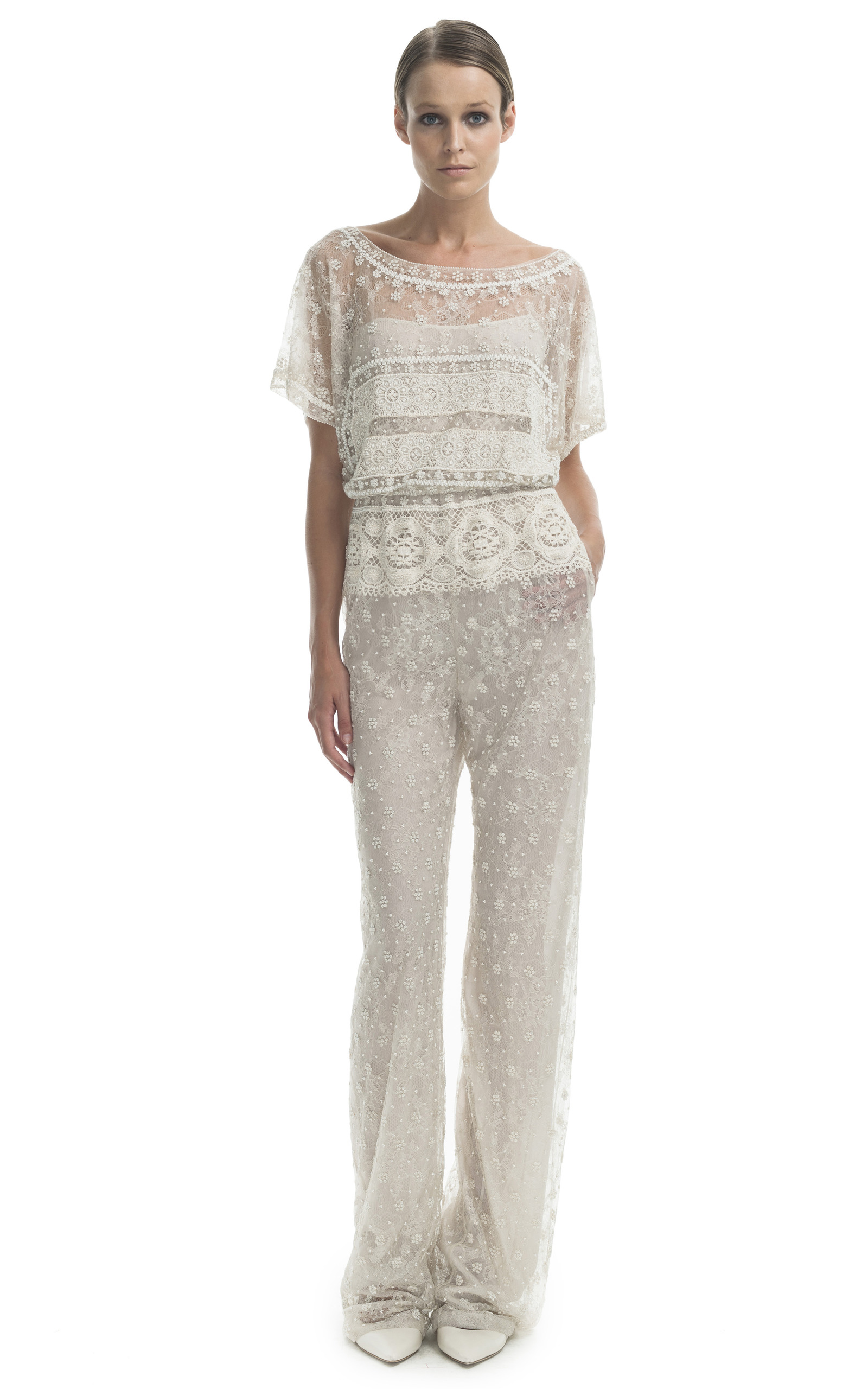 Vintage white embroidered jumpsuit by valentino moda for Moda vintage
