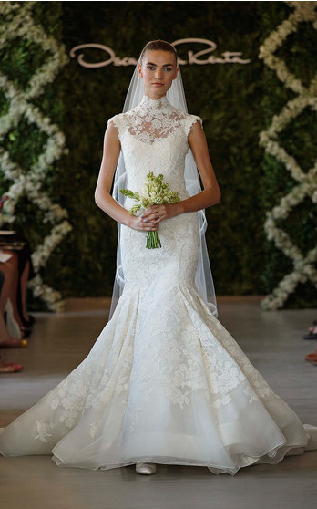 Oscar de la Renta Bridal Fall/Winter 2016 on Moda Operandi