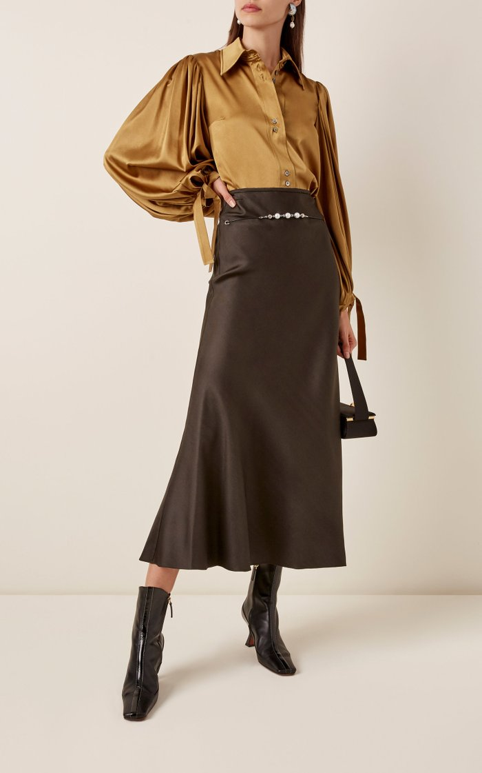 Critical Acclaim Belt-Detailed Crepe Maxi Skirt