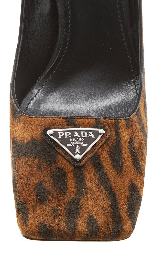 Logo-Detailed Leopard Suede Pumps