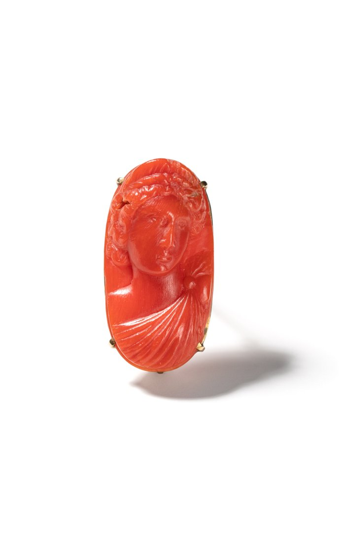 Vintage 14K Yellow Gold and Carved Coral Pin
