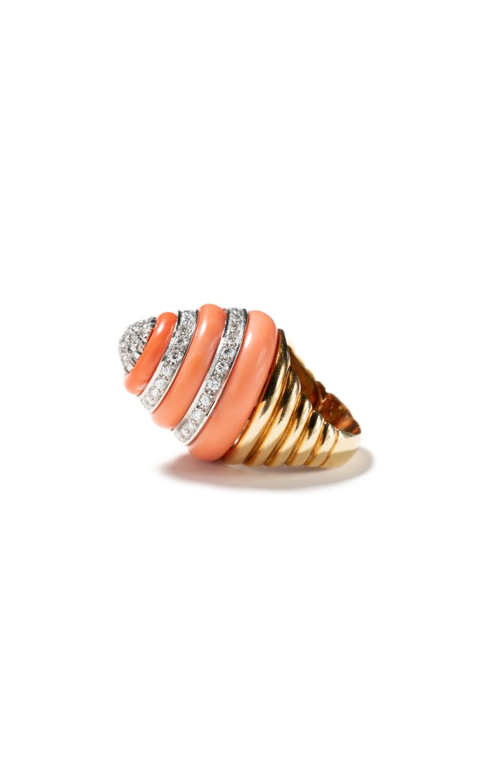 Vintage 18K Yellow Gold Coral & Diamond Ring