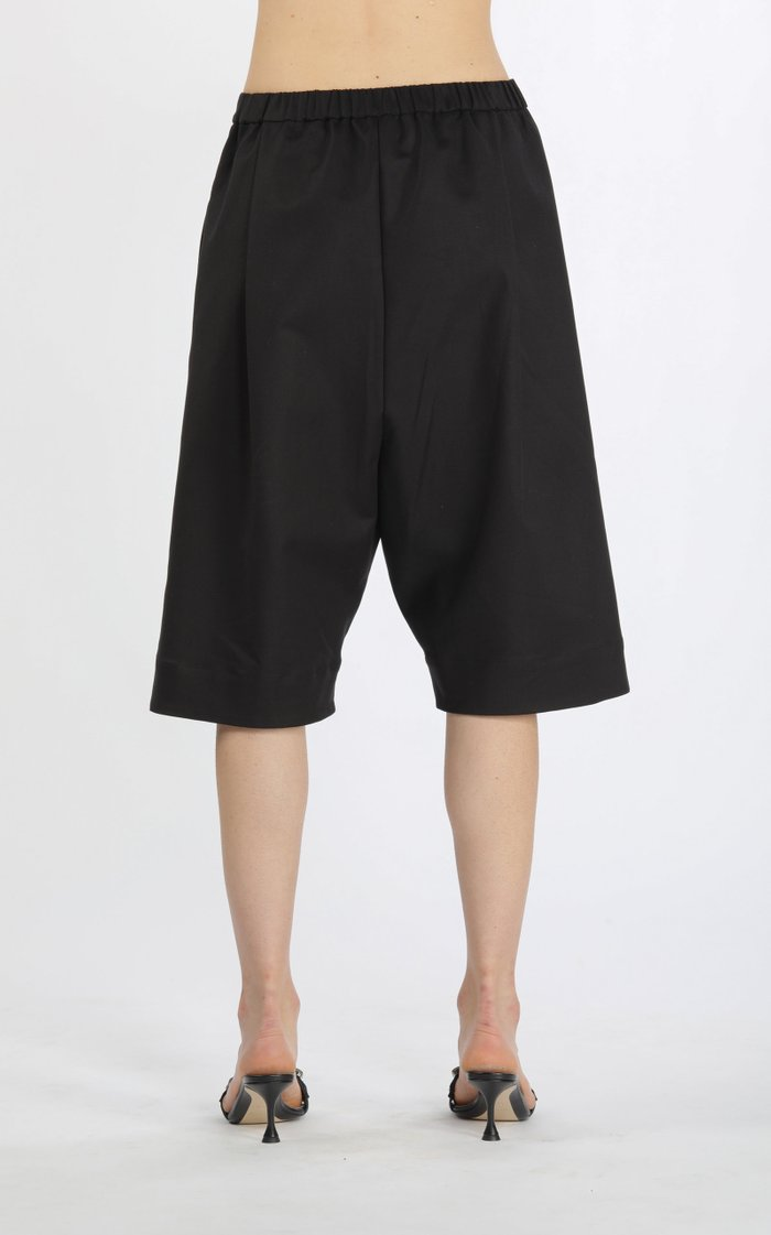 Drop-Rise Pleated Cotton Knee-Length Shorts