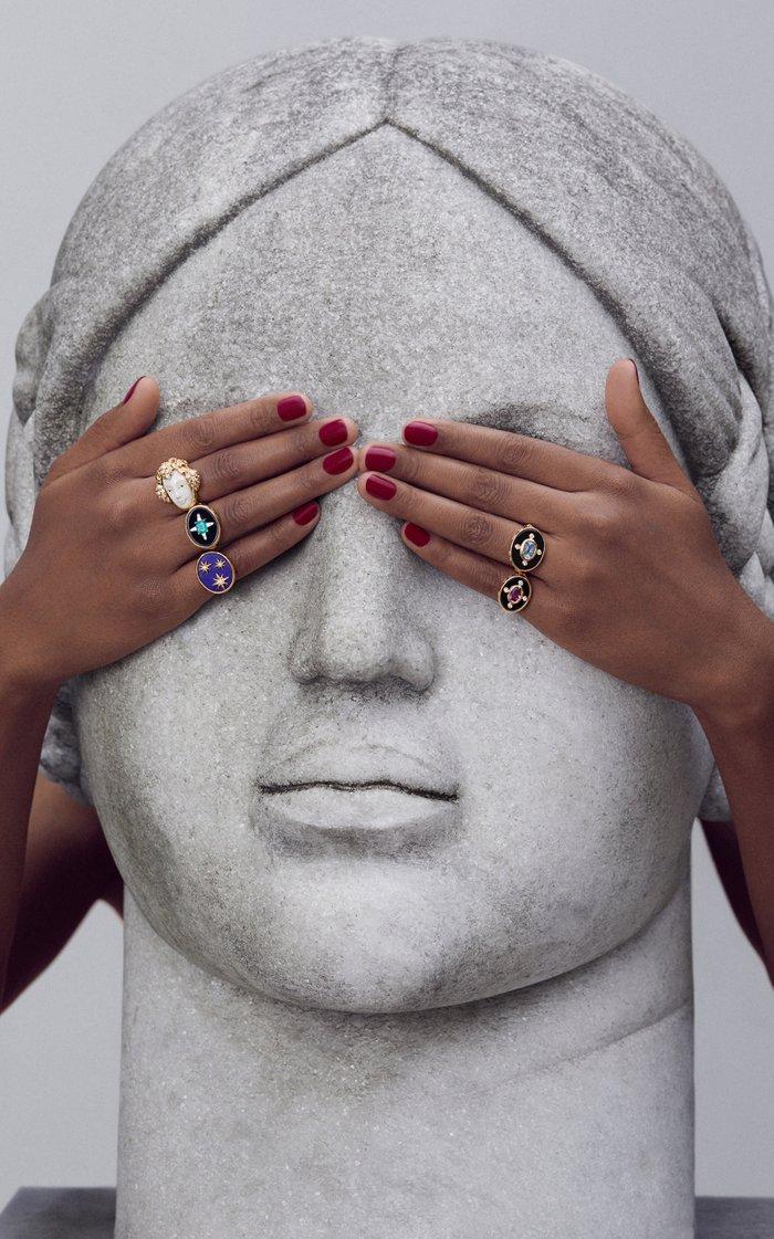 Crucis Emerald Ring