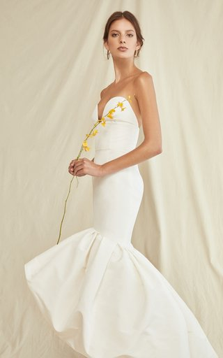 Sweethear5T Neckline Gown