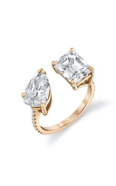 18K Rose Gold Emerald & Pear Cut Twin Diamond Ring